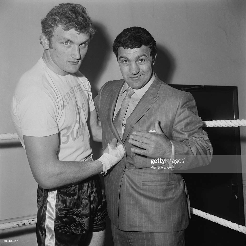 Heavyweight boxer <a gi-track='captionPersonalityLinkClicked' href=/galleries/search?phrase=Joe+Bugner&family=editorial&specificpeople=239003 ng-click='$event.stopPropagation()'>Joe Bugner</a> (left) with American former World Heavyweight Champion <a gi-track='captionPersonalityLinkClicked' href=/galleries/search?phrase=Rocky+Marciano&family=editorial&specificpeople=94011 ng-click='$event.stopPropagation()'>Rocky Marciano</a> (1923 - 1969) at a gym in North London, 4th May 1969.