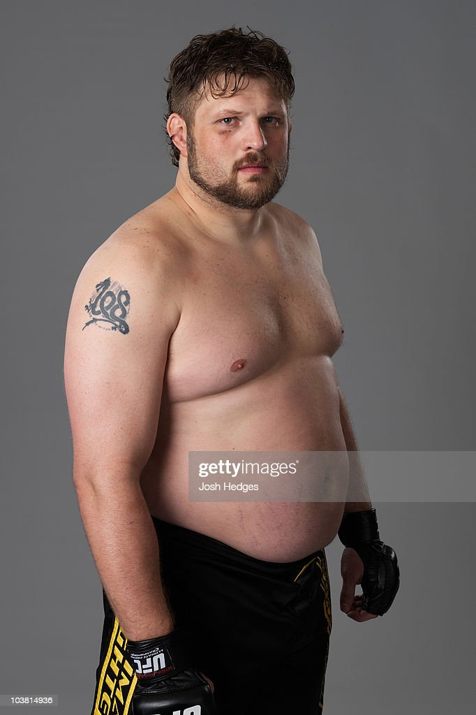 Heavyweight fighter <a gi-track='captionPersonalityLinkClicked' href=/galleries/search?phrase=Roy+Nelson&family=editorial&specificpeople=4230645 ng-click='$event.stopPropagation()'>Roy Nelson</a> poses for a portrait on December 2, 2009 in Las Vegas, Nevada.