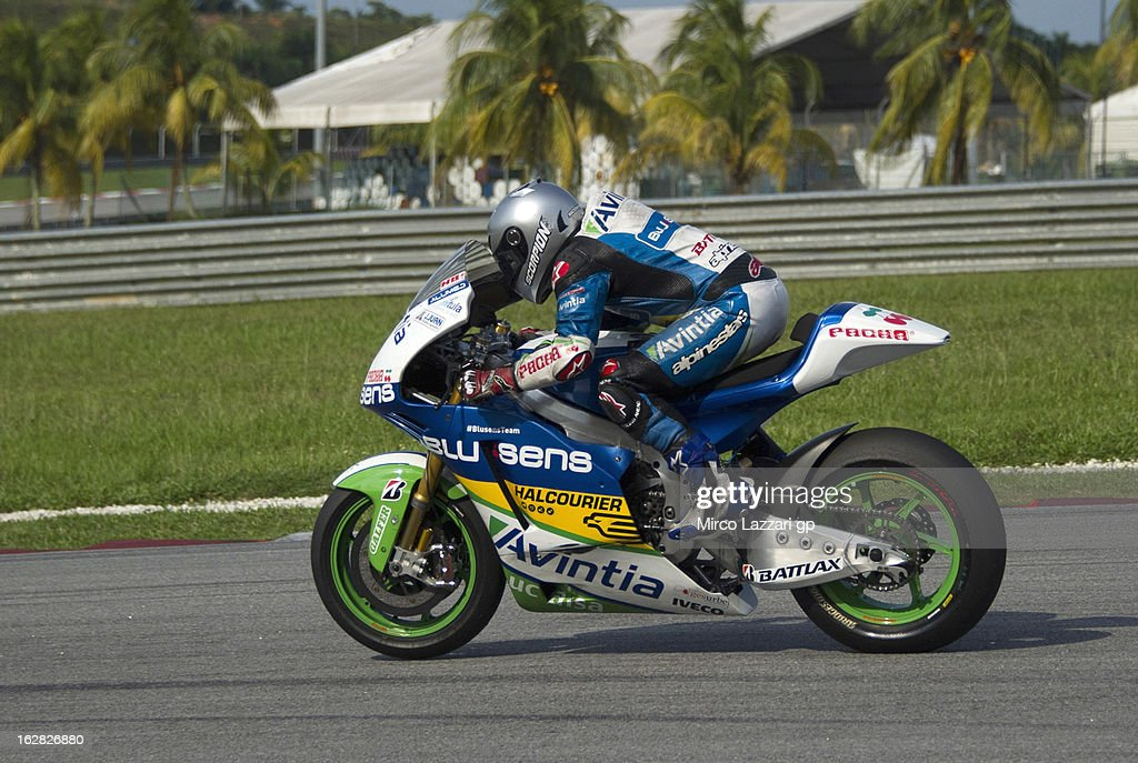 Hector Barbera of Spain and Avintia Blusens heads down a straight during MotoGP Tests in Sepang - Day Three at Sepang Circuit on February 28, 2013 in Kuala Lumpur, Malaysia.
