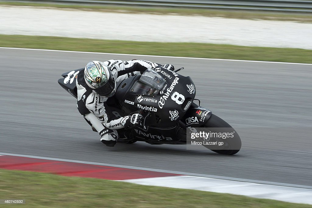 Hector Barbera of Spain and Avintia Racing rounds the bend during day one of the MotoGP tests at Sepang Circuit on February 4, 2015 in Kuala Lumpur, Malaysia.
