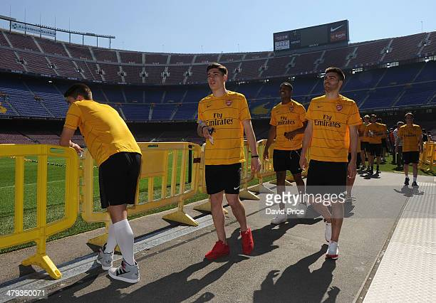 Hector Bellerin Chuba Akpom and Jon Toral of Arsenal on a tour of the Camp Nou before the match between Barcelona U19 and Arsenal U19 in the UEFA...
