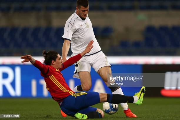 Hector Bellerin of Spain U21 compete for the ball with Alberto Cerri of Italy U21 during the International Friendly Under 21 Italia v Spagna at...