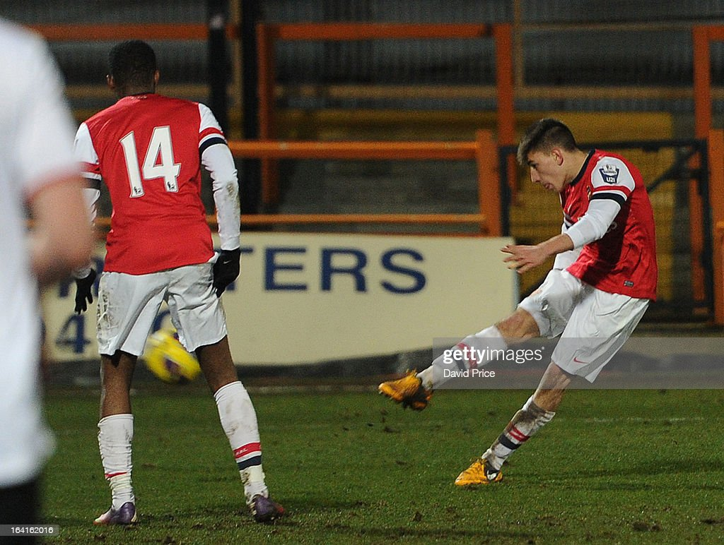 Hector Bellerin scores Arsenal's 2nd goal during the Barclays Premier U21 match between Arsenal U21 and Manchester United U21 at Underhill Stadium on March 20, 2013 in Barnet, United Kingdom.
