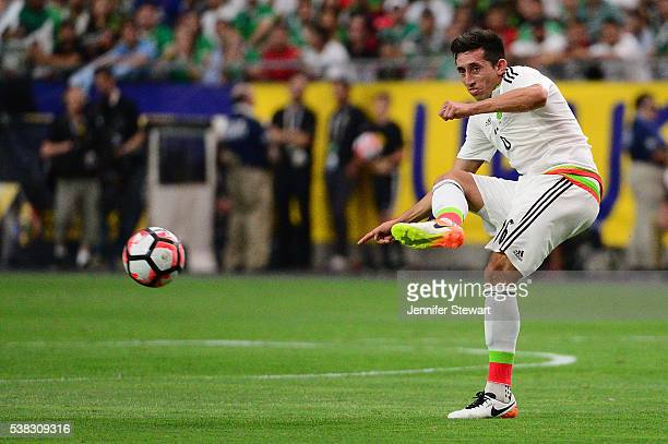 Hector Herrera of Mexico passes the ball during the 2016 Copa America Centenario Group C match against Uruguay at at University of Phoenix Stadium on...