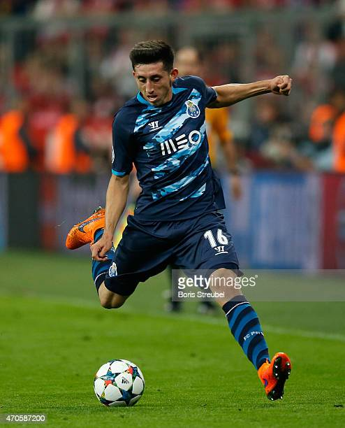 Hector Herrera of Porto runs with the ball during the UEFA Champions League Quarter Final Second Leg match between FC Bayern Muenchen and FC Porto at...