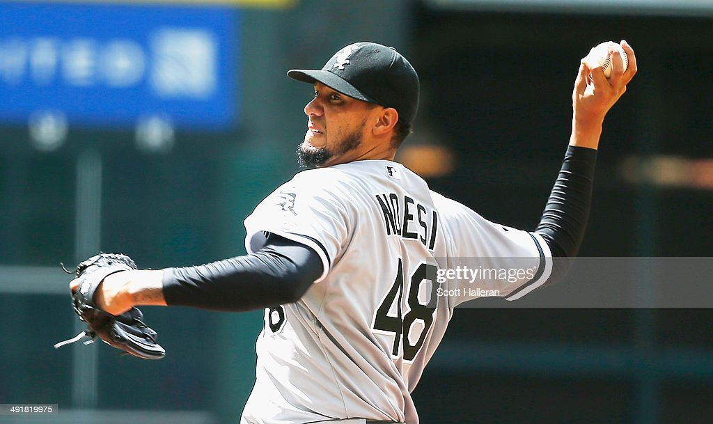 Hector Noesi #48 of the Chicago White Sox throws a pitch in the first inning of their game against the Houston Astros at Minute Maid Park on May 17, 2014 in Houston, Texas.