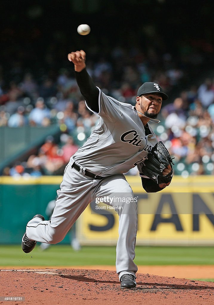 Hector Noesi #48 of the Chicago White Sox throws a pitch in the second inning of their game against the Houston Astros at Minute Maid Park on May 17, 2014 in Houston, Texas.