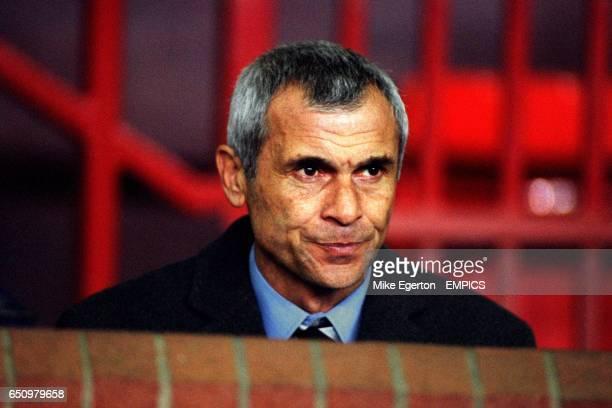 Hector Raul Cuper Valencia Coach