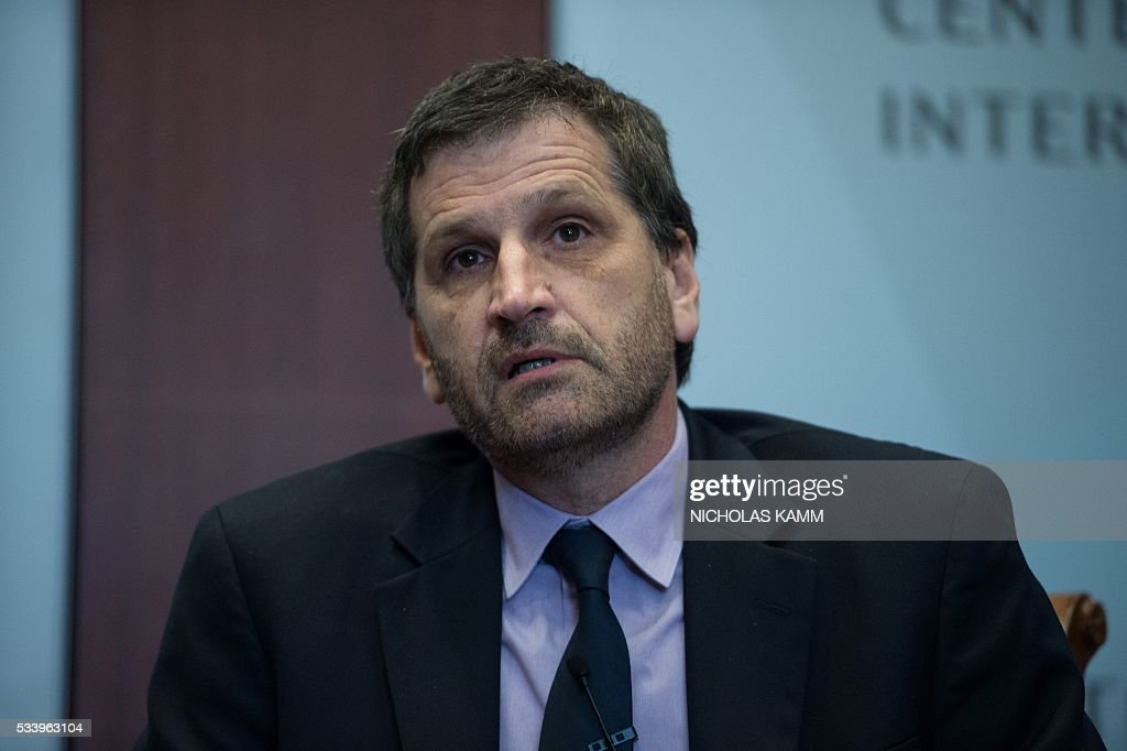 Hector Schamis, columnist for Spain's El País newspaper and professor at Georgetown University, takes part in a conversation on press freedom in the Americas in Washington, DC, on May 24, 2016. / AFP / Nicholas Kamm