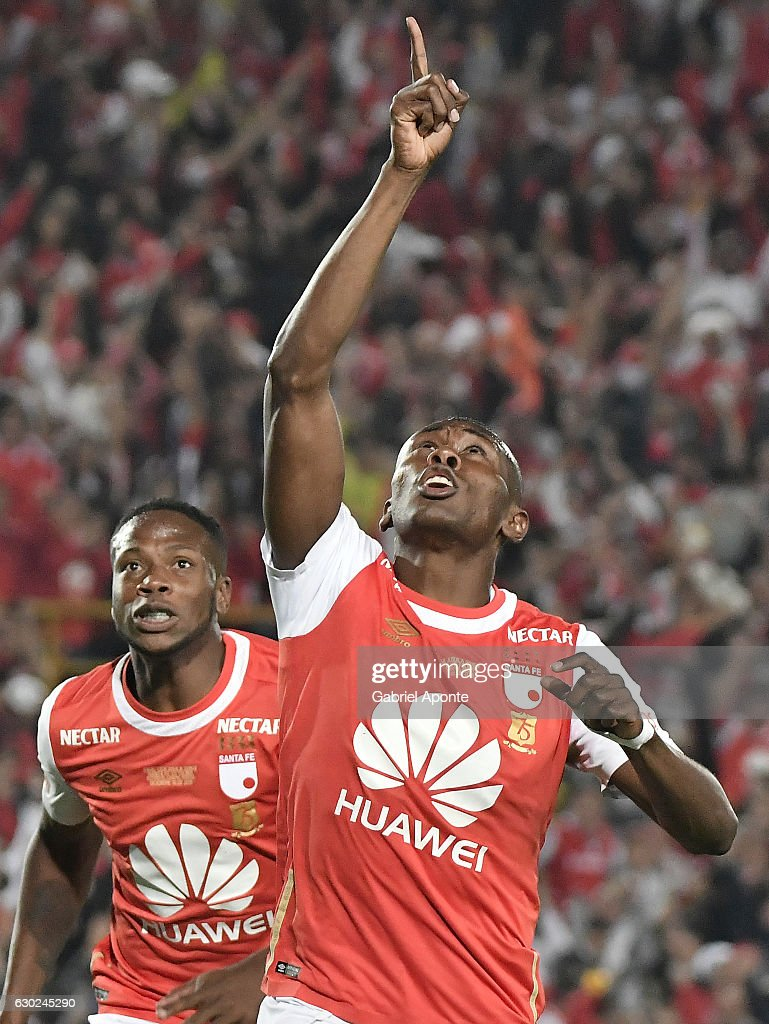 Hector Urrego of Santa Fe celebrates after scoring during a second leg final match between Santa Fe and Deportes Tolima as part of Liga Aguila II 2016 at El Campin Stadium on December 18, 2016 in Bogota, Colombia.