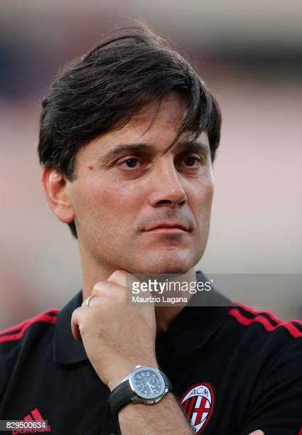 Hed coach of Millan Vincenzo Montella during the PreSeason Friendly match between AC Milan and Villareal at Stadio Angelo Massimino on August 9 2017...