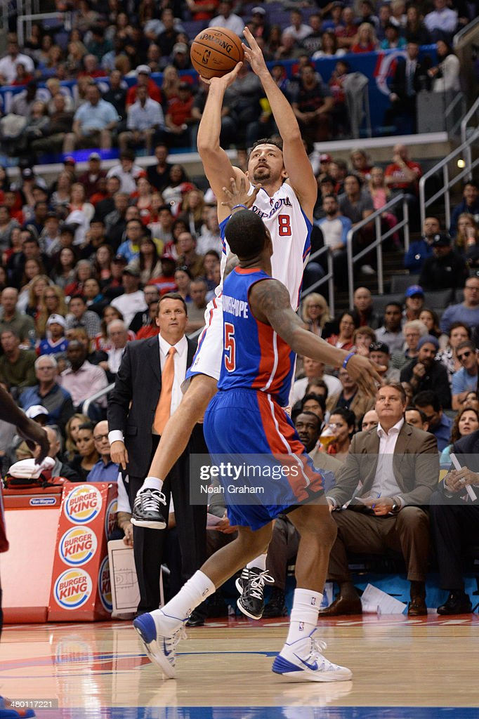 Hedo Turkoglu #8 of the Los Angeles Clippers shoots against the Detroit Pistons at STAPLES Center on March 22, 2014 in Los Angeles, California.