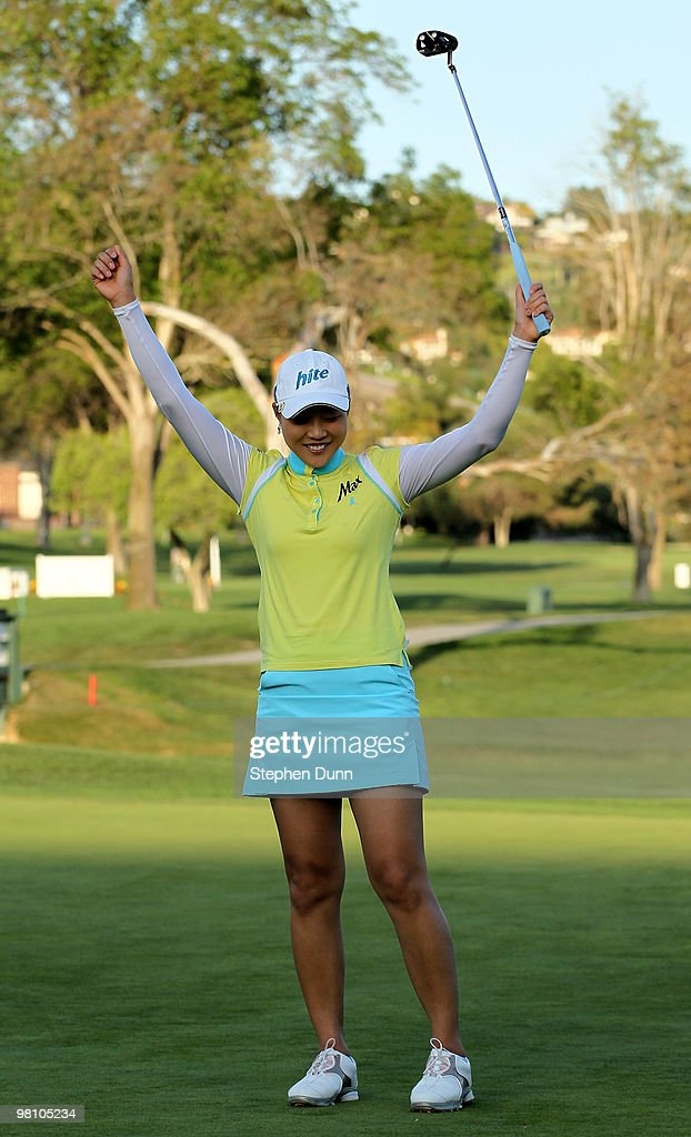 Hee Kyung Seo of South Korea celebrates her victory after making the final putt during the final round of the Kia Classic Presented by J Golf at La Costa Resort and Spa on March 28, 2010 in Carlsbad, California.