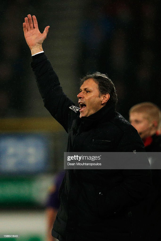 Heerenveen Manager / Coach, <a gi-track='captionPersonalityLinkClicked' href=/galleries/search?phrase=Marco+van+Basten&family=editorial&specificpeople=225113 ng-click='$event.stopPropagation()'>Marco van Basten</a> gives his team instructions during the Eredivisie match between SC Heerenveen and Vitesse Arnhem at Abe Lenstra Stadion on December 22, 2012 in Heerenveen, Netherlands.