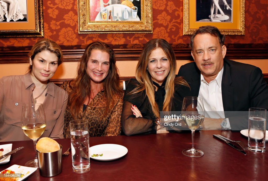 Heidi Blickenstaff, Brooke Sheilds, <a gi-track='captionPersonalityLinkClicked' href=/galleries/search?phrase=Rita+Wilson+-+Actress&family=editorial&specificpeople=202642 ng-click='$event.stopPropagation()'>Rita Wilson</a> and <a gi-track='captionPersonalityLinkClicked' href=/galleries/search?phrase=Tom+Hanks&family=editorial&specificpeople=201790 ng-click='$event.stopPropagation()'>Tom Hanks</a> attend Sherie Rene Scott's performance at 54 Below on October 19, 2012 in New York City.