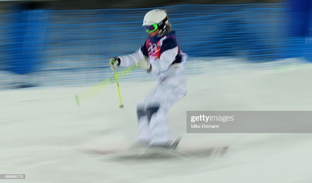 Heidi Kloser of the United States practices during training for Moguls competition at the Extreme Park at Rosa Khutor Mountain on February 5, 2014 in Sochi, Russia.