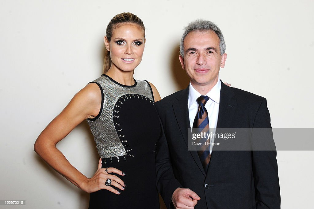 Heidi Klum and Frankfurt Mayor Peter Feldmann attend the photocall ahead of the MTV EMA's 2012 at Frankfurt City Hall on November 10, 2012 in Frankfurt am Main, Germany.