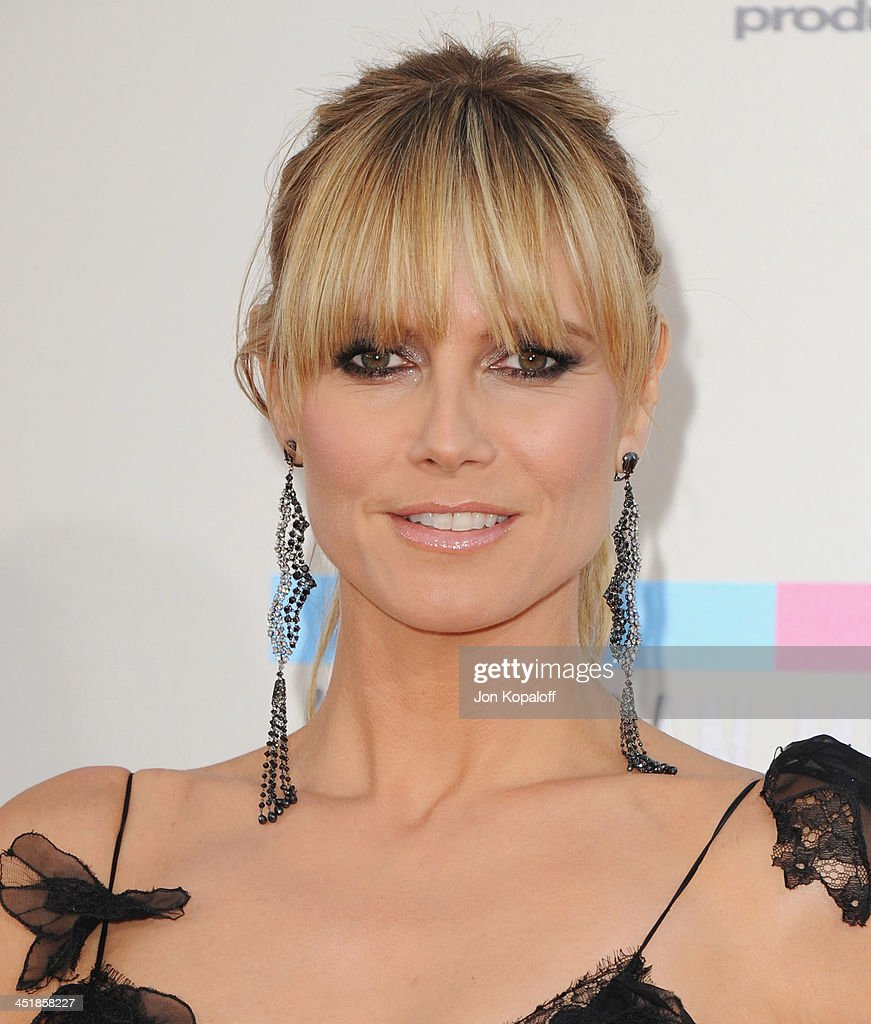 Heidi Klum arrives at the 2013 American Music Awards at Nokia Theatre L.A. Live on November 24, 2013 in Los Angeles, California.