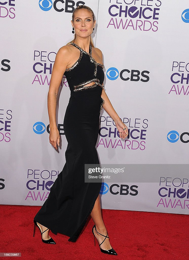 Heidi Klum arrives at the 2013 People's Choice Awards at Nokia Theatre L.A. Live on January 9, 2013 in Los Angeles, California.