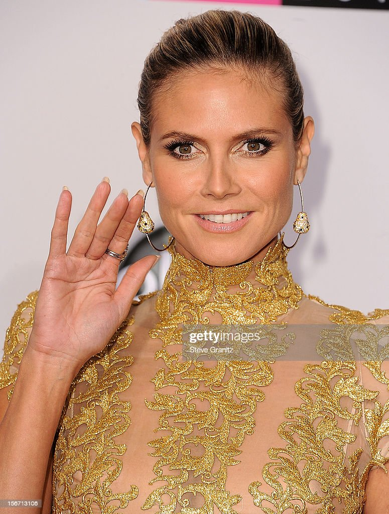 <a gi-track='captionPersonalityLinkClicked' href=/galleries/search?phrase=Heidi+Klum&family=editorial&specificpeople=178954 ng-click='$event.stopPropagation()'>Heidi Klum</a> arrives at the 40th Anniversary American Music Awards at Nokia Theatre L.A. Live on November 18, 2012 in Los Angeles, California.