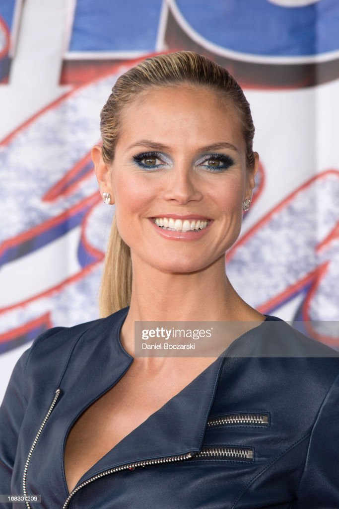 <a gi-track='captionPersonalityLinkClicked' href=/galleries/search?phrase=Heidi+Klum&family=editorial&specificpeople=178954 ng-click='$event.stopPropagation()'>Heidi Klum</a> attends 'America's Got Talent' Season 8 Meet The Judges Red Carpet Event at Akoo Theatre at Rosemont on May 8, 2013 in Rosemont, Illinois.
