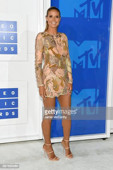 heidi-klum-attends-the-2016-mtv-video-music-awards-at-madison-square-picture-id597560080