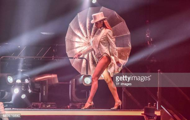 Heidi Klum performs during the final of Germanys Next Top Model TV show at KönigPilsenerArena on May 25 2017 in OBERHAUSEN Germany