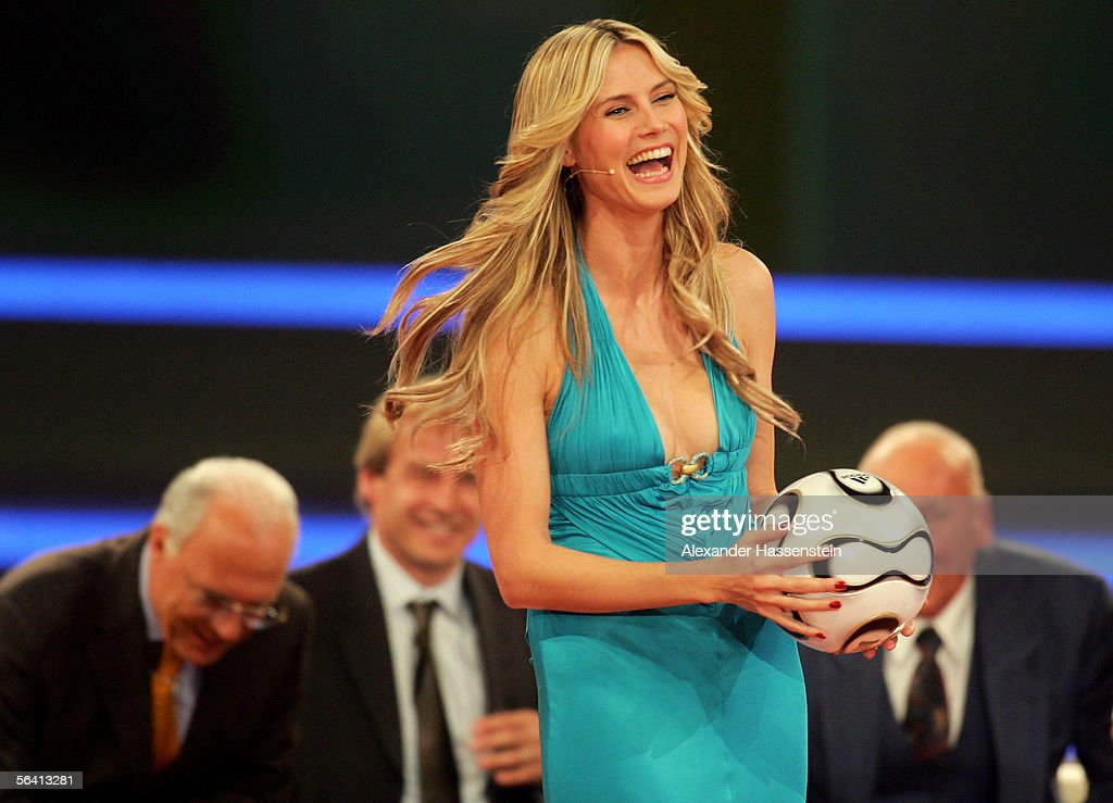 <a gi-track='captionPersonalityLinkClicked' href=/galleries/search?phrase=Heidi+Klum&family=editorial&specificpeople=178954 ng-click='$event.stopPropagation()'>Heidi Klum</a> presents the World Cup draw show December 9, 2005 in Leipzig, Germany.