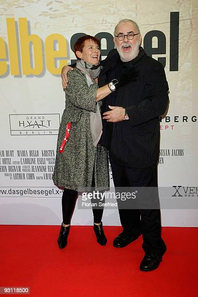 Heidi Kranz and Udo Walz attend the premiere of 'Das gelbe Segel' at CineMaxx at Potsdam Place on November 17 2009 in Berlin Germany