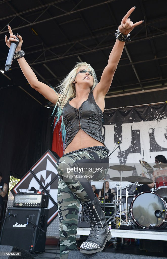 Heidi Shepherd of Butcher Babies performs as part of the Rockstar Energy Drink Mayhem Festival at Shoreline Amphitheatre on June 30, 2013 in Mountain View, California.