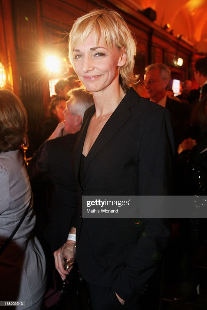 <a gi-track='captionPersonalityLinkClicked' href=/galleries/search?phrase=Heike+Drechsler&family=editorial&specificpeople=204348 ng-click='$event.stopPropagation()'>Heike Drechsler</a> attends the 'Lambertz Monday Night' on January 30, 2012 in Cologne, Germany.