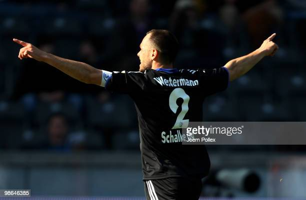 Heiko Westermann of Schalke celebrates after scoring his team's first goal during the Bundesliga match between Hertha BSC Berlin and FC Schalke 04 at...
