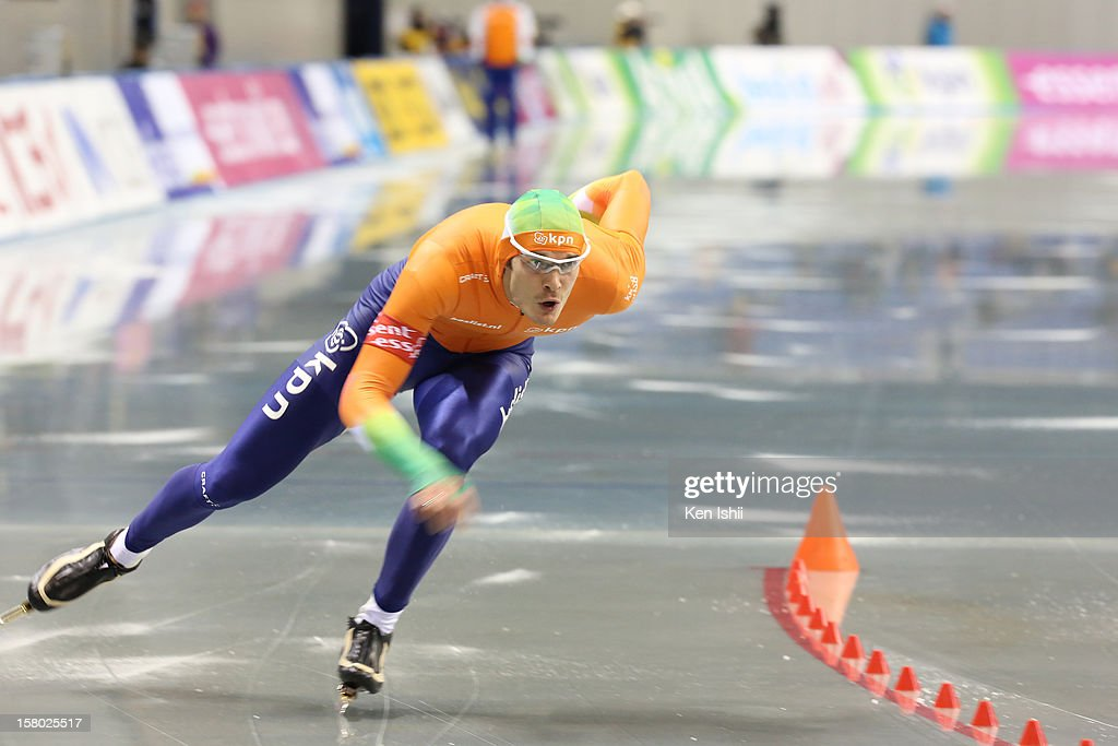 Hein Otterspeer of Netherlands competes in the Men's 1,000m during day two of the ISU World Cup Speed Skating at MWave on December 9, 2012 in Nagano, Japan.