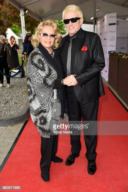 Heino and his wife Hannelore Kramm attend the 'Goldene Sonne 2017' Award by SonnenklarTV on May 13 2017 in Kalkar Germany