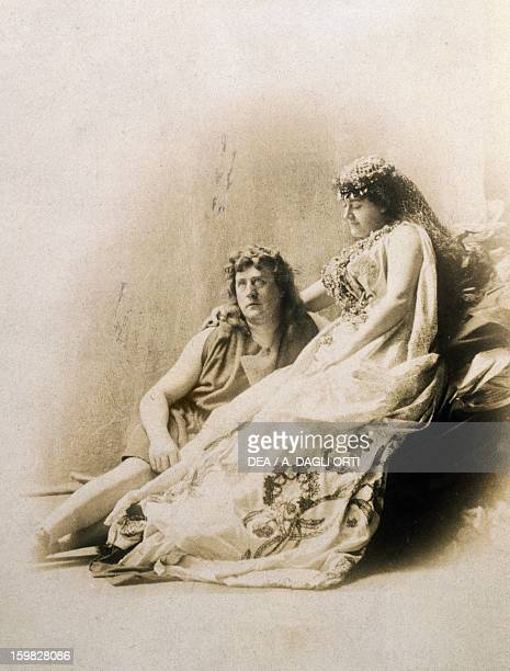 Heinrich Gudehuns German tenor and Therese Malten German soprano in the roles of Parsifal and Kundry in the 1882 Bayreuth production of Parsifal by...