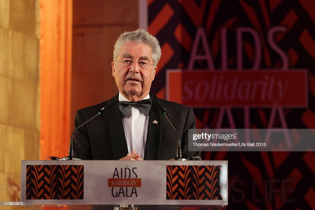 <a gi-track='captionPersonalityLinkClicked' href=/galleries/search?phrase=Heinz+Fischer&family=editorial&specificpeople=537198 ng-click='$event.stopPropagation()'>Heinz Fischer</a> speaks at the AIDS Solidarity Gala at Hofburg Vienna on May 16, 2015 in Vienna, Austria.