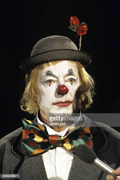 Heinz Ruehmann Actor Germany * Appearing as a clown 1970