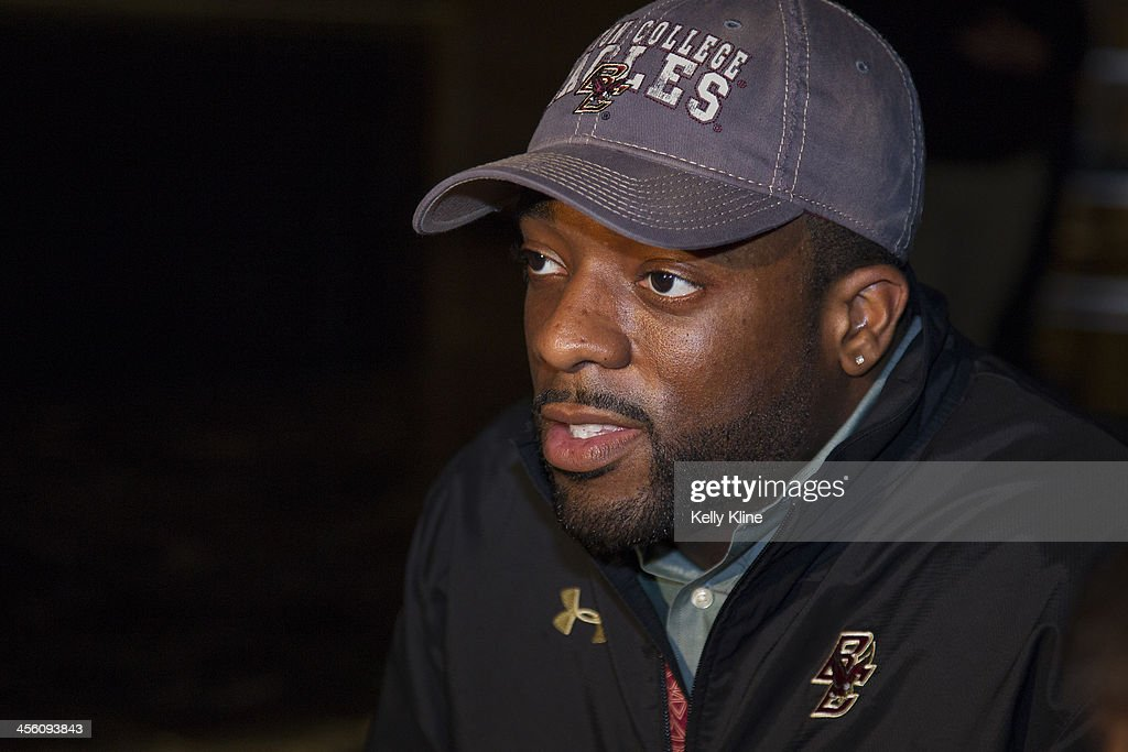 Heisman Trophy finalist Andre Williams, quarterback of the Boston College Eagles, speaks to the - heisman-trophy-finalist-andre-williams-quarterback-of-the-boston-picture-id456093843