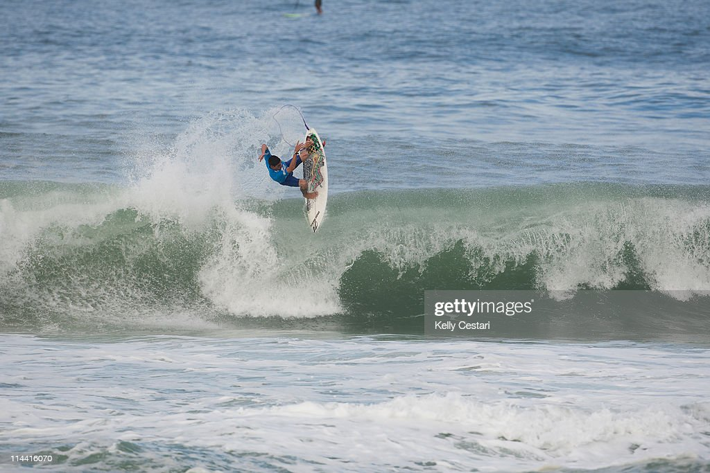 Heitor Alves of Brasil was eliminated from compeition by Damien Hobgood of the United States during Round 3 of the Billabong Rio Pro at Barra da...