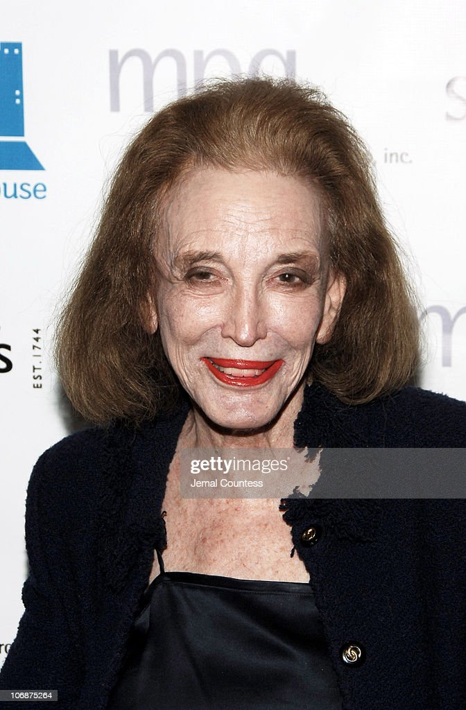 <a gi-track='captionPersonalityLinkClicked' href=/galleries/search?phrase=Helen+Gurley+Brown&family=editorial&specificpeople=215179 ng-click='$event.stopPropagation()'>Helen Gurley Brown</a> during Sotheby's Hosts