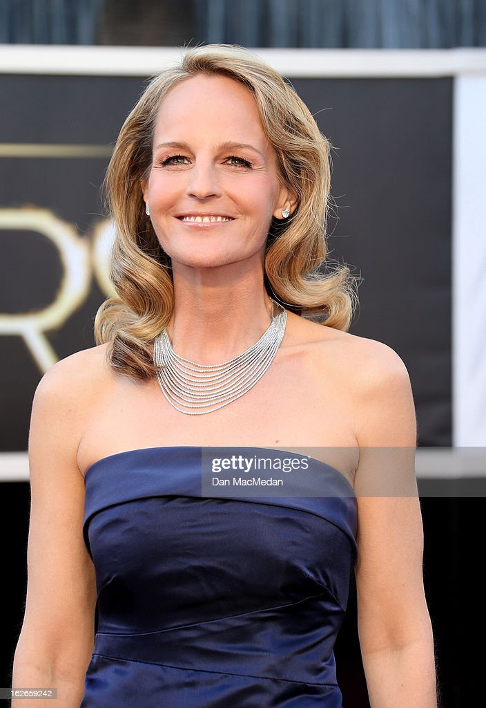 Helen Hunt arrives at the 85th Annual Academy Awards at Hollywood & Highland Center on February 24, 2013 in Hollywood, California.