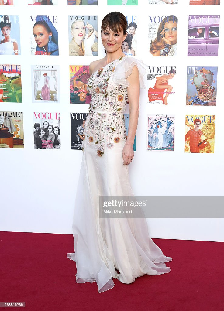 <a gi-track='captionPersonalityLinkClicked' href=/galleries/search?phrase=Helen+McCrory&family=editorial&specificpeople=214616 ng-click='$event.stopPropagation()'>Helen McCrory</a> arrives for the Gala to celebrate the Vogue 100 Festival Kensington Gardens on May 23, 2016 in London, England.