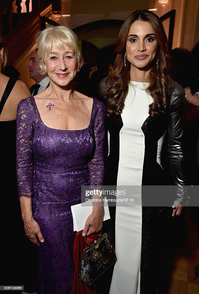 Helen Mirren and Queen Rania of Jordan attend the Bloomberg Vanity Fair cocktail reception following the 2015 WHCA Dinner at the residence of the...