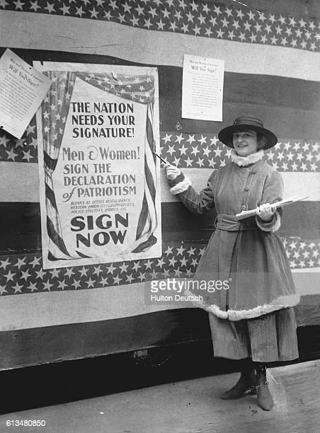 Helen Primeshic encouraging American women to show their loyalty to their country by signing a declaration of patriotism