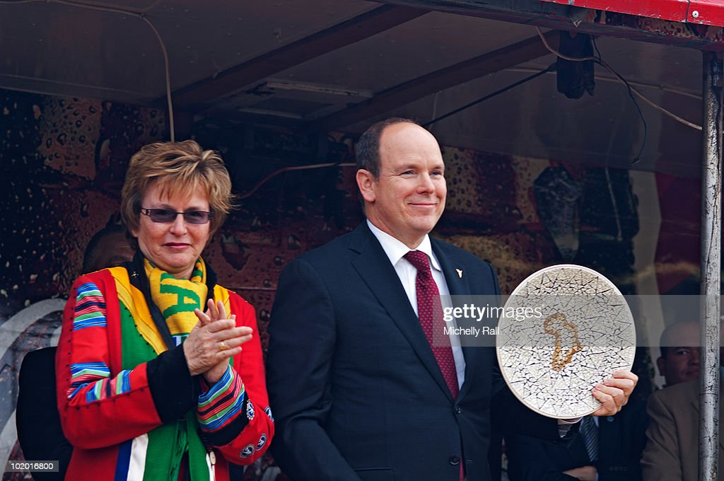 <a gi-track='captionPersonalityLinkClicked' href=/galleries/search?phrase=Helen+Zille&family=editorial&specificpeople=869313 ng-click='$event.stopPropagation()'>Helen Zille</a> and Prince Albert exchange gifts at the inauguration of Cape Town Sports Centre on June 12, 2010 in Cape Town, South Africa.