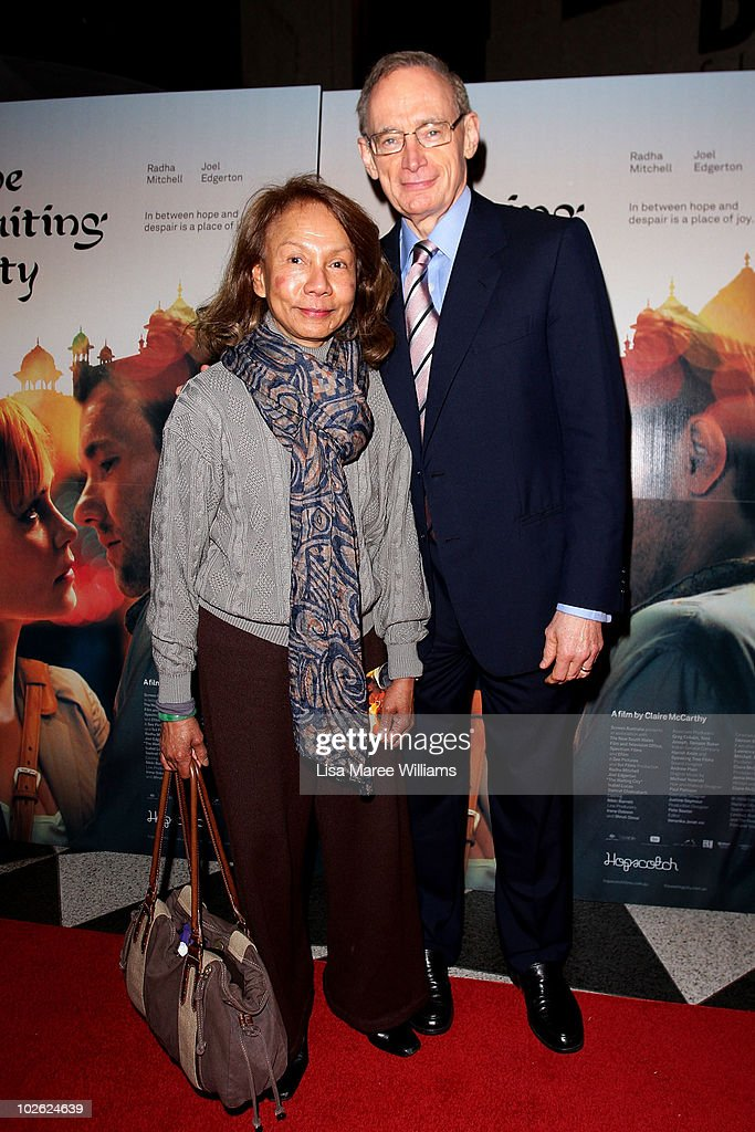 Helena Carr and <a gi-track='captionPersonalityLinkClicked' href=/galleries/search?phrase=Bob+Carr&family=editorial&specificpeople=209391 ng-click='$event.stopPropagation()'>Bob Carr</a> arrive at the premiere of 'The Waiting City' at Dendy Opera Quays on July 5, 2010 in Sydney, Australia.