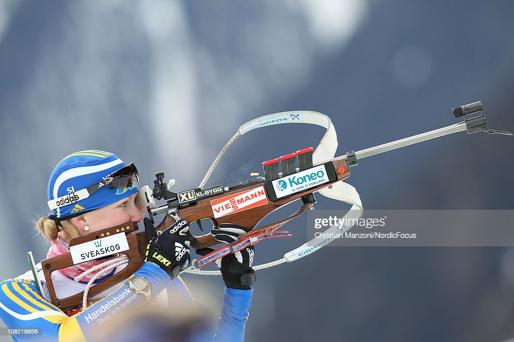<a gi-track='captionPersonalityLinkClicked' href=/galleries/search?phrase=Helena+Ekholm&family=editorial&specificpeople=4076012 ng-click='$event.stopPropagation()'>Helena Ekholm</a> of Sweden competes in the women's sprint during the E.ON IBU Biathlon World Cup on January 21, 2011 in Antholz-Anterselva, Italy.