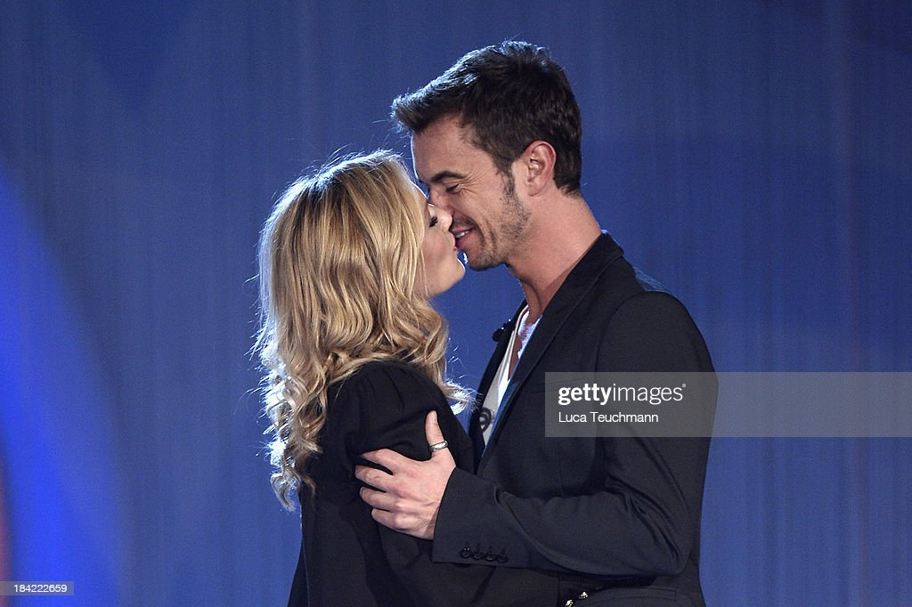 <a gi-track='captionPersonalityLinkClicked' href=/galleries/search?phrase=Helene+Fischer&family=editorial&specificpeople=3628333 ng-click='$event.stopPropagation()'>Helene Fischer</a> and <a gi-track='captionPersonalityLinkClicked' href=/galleries/search?phrase=Florian+Silbereisen&family=editorial&specificpeople=2919730 ng-click='$event.stopPropagation()'>Florian Silbereisen</a> seen kissing during the TV-Show 'Das Herbstfest der Traeume' at Messe Erfurt on October 12, 2013 in Erfurt, Germany.