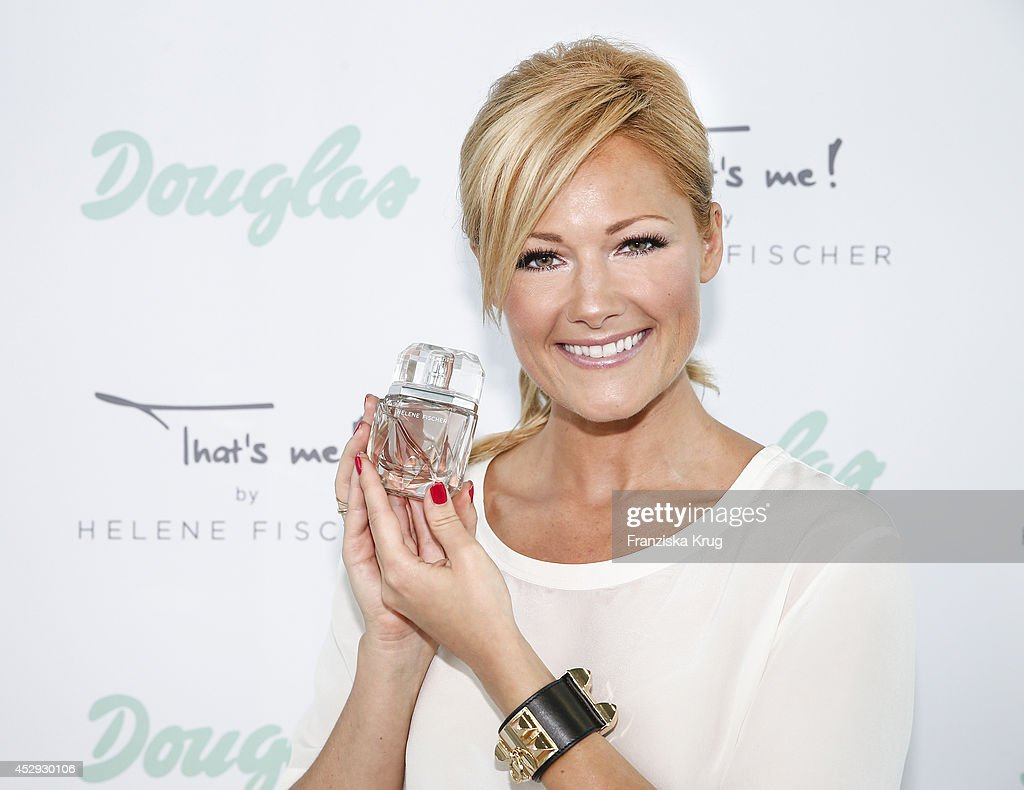 douglas and helene fischer launch fragrance 39 that 39 s me. Black Bedroom Furniture Sets. Home Design Ideas