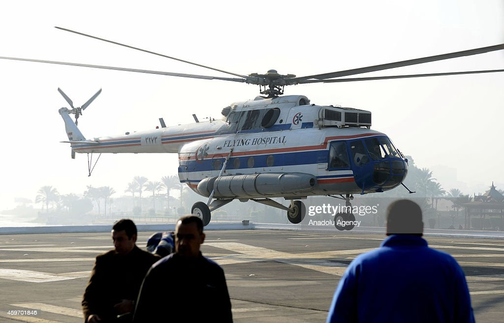 helicopter-carrying-the-former-egyptian-president-hosni-mubarak-the-picture-id459701846